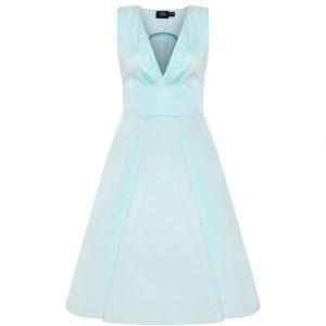 Bledomodré šaty vhodné aj na svadbu